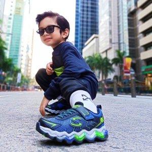 满额7.5折  $9.9收短袖最后一天:Skechers 舒适童装童鞋热卖  入孩子都喜欢的灯光鞋