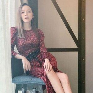 欧阳娜娜同款外套€125Maje官网4折起 侯佩岑同款连衣裙€220