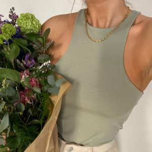 低至5折 €10收系带露背上衣NA-KD 火遍Ins的瑞典女装 平价穿出高级感 时髦不吃土