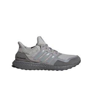 AdidasUltraBoost 运动鞋