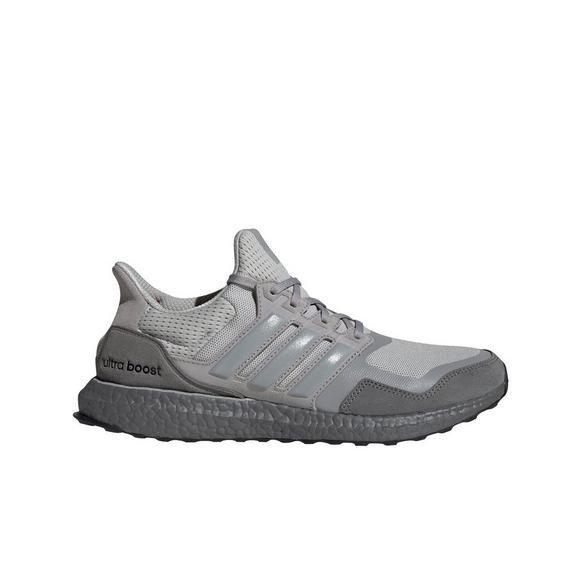 UltraBoost 运动鞋