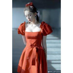 Self-Portrait娜扎、赵丽颖同款酒红色复古泡泡鞋连衣裙