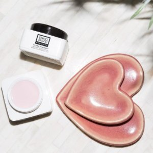 Get 30% off Beauty Editor's Picks orders $60 @ B-Glowing