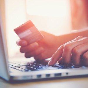 完成信用卡开卡要求的妙计Plastiq 简介 有机会低手续费用信用卡付一切账单
