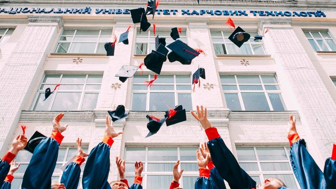 魁北克全日制学生申请助学贷款+助学金攻略