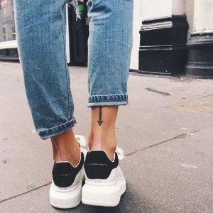 8.8折 打造神仙大长腿Alexander McQueen 增高小白鞋好价收 超多新款配色