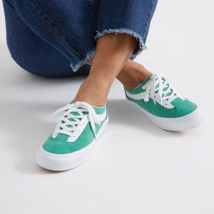 低至3折 $45收封面同款Vans白菜价:Little Burgundy 平价瘦腿老爹鞋、春季必备小白鞋热促