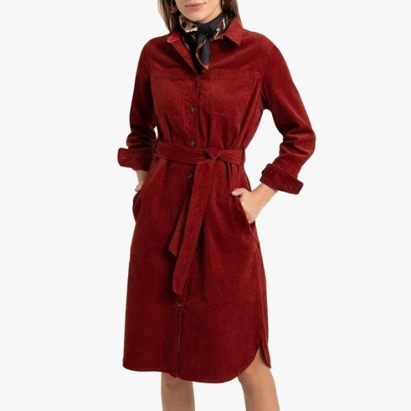 红色长款外套