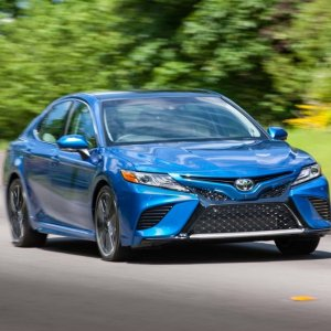 运动得根本不像是丰田全新2018 Toyota Camry 中型轿车