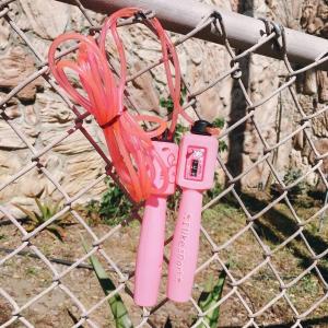 家用小型健身器材自带计步器的少女风跳绳,软胶质地接触身体也不痛