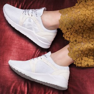 $29.99(原价$80) + 免邮白菜价:ASICS Tiger 时尚舒适GEL-Lyte Komachi女鞋促销 多色选