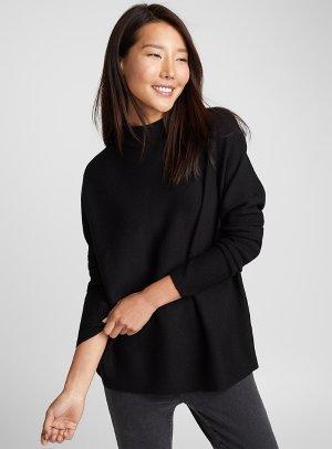 Textured knit mock-neck sweater   Contemporaine
