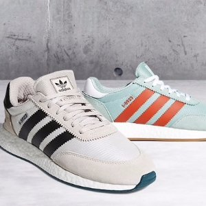 Hasta 50% OFF Select Adidas estilos @ Foot Locker dealmoon