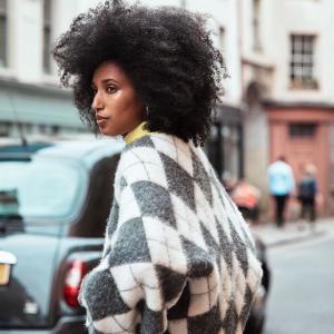 菱格纹针织毛衣€19.99收H&M x Pringle of Scotland 联名针织系列上架 苏格兰顶尖针织