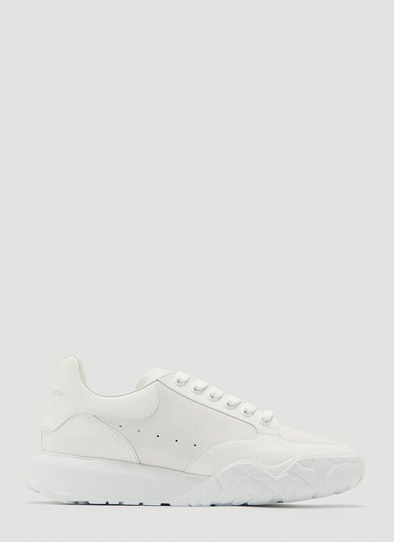 运动小白鞋