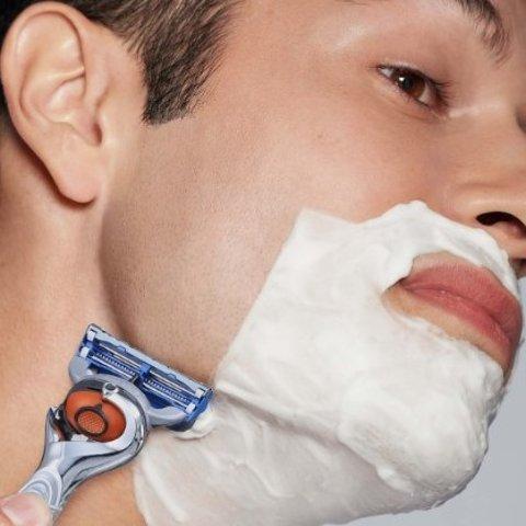 低至5折 £4收敏感肌剃须泡沫Gillette 特价大促区 替换刀片、剃须刀套装等好价收