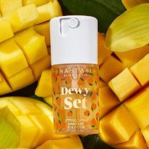 仅$20+免邮上新:ABH 夏日小可爱Dewy定妆喷雾 芒果、菠萝、椰子3款可选