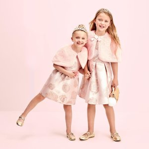 Free Shipping on All OrdersThe Children's Place 50-75% Off Entire Site