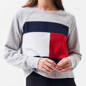 Tommy HilfigerCropped Crew Neck Sweatshirt