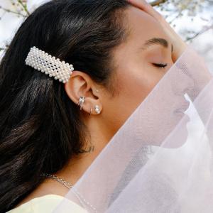 无门槛85折 £10收流行款珍珠发卡Astrid & Miyu 全场配饰热卖 开运水晶 金银项链都有