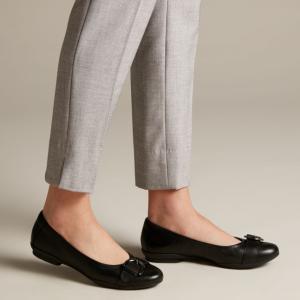 低至5折Clarks 折扣区上新 精选舒适女鞋热卖