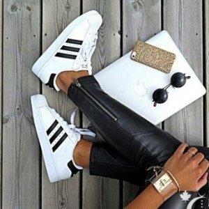 两双$110(原价$200)码全!ADIDAS阿迪达斯 Superstar 女款运动鞋
