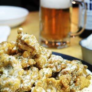 $25(原价$53)炸鸡不同吃法₩10,000 Korean 两人份炸鸡宴+啤酒或奶昔