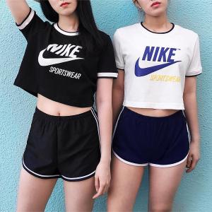 Nike黑色款短款上衣