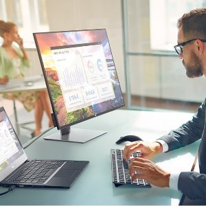 Plus Free $100 Gift CardUltraSharp Monitor Deals @Dell