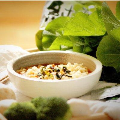 $9.6NongShim Soon Noodle Soup, Veggie, 3.95 Ounce (Pack of 10)
