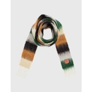 Loewe海马毛围巾