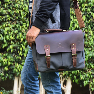 Up to 40% OffAmazon Select Aaron Leather Handmade Canvas Bag Sale