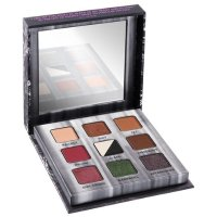 Urban Decay Troublemaker 眼影盘