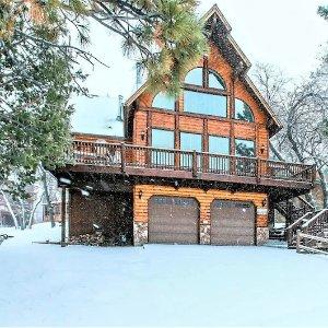 $545起 可入住16人加州大熊湖独栋木屋别墅 秋季郊游冬季滑雪好去处