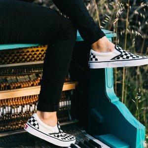 低至6折+额外9折,穿出时髦街头范儿Vans 精选 经典时尚板鞋 限时促销