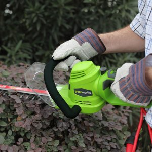 Greenworks 灌木修剪机