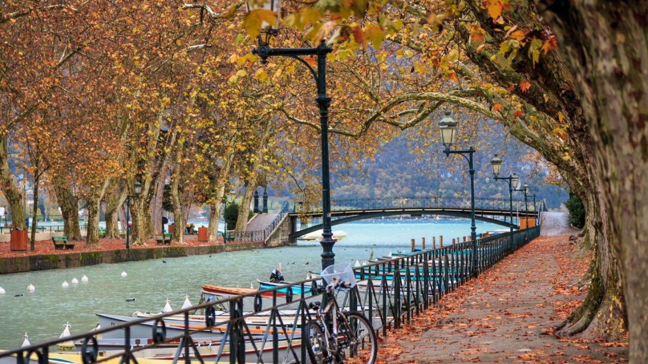 法国秋天去哪儿玩 | 秋高气爽爬山、看红叶、赏初雪的好地方!