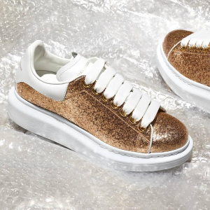 Up to 50% OffAlexander McQueen Sneakers @ Farfetch