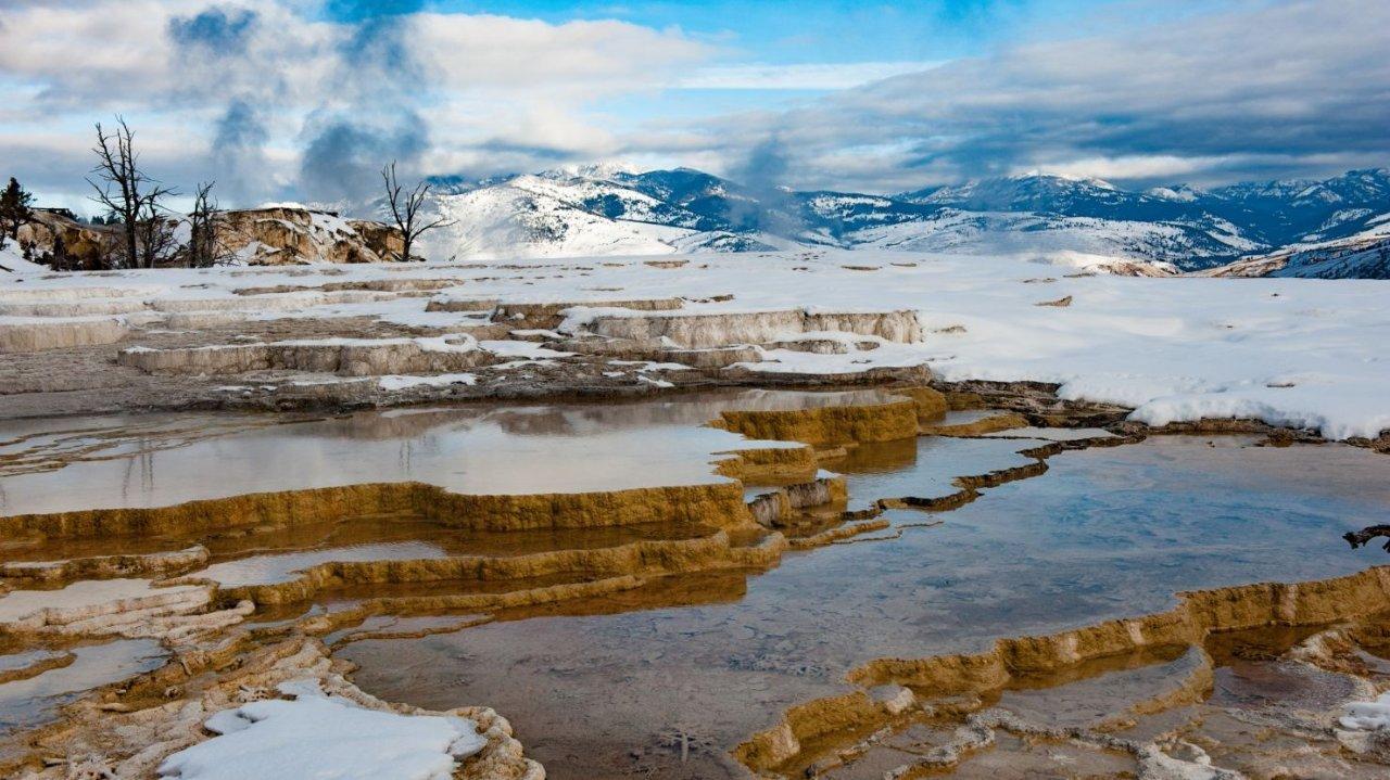 黄石国家公园旅游攻略指南Yellowstone National Park Travel Guide(交通、住宿、路线、景点)