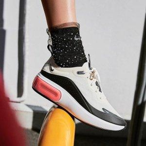 折扣区4折起!Nike 经典时尚运动风 休闲百搭运动鞋折扣专场
