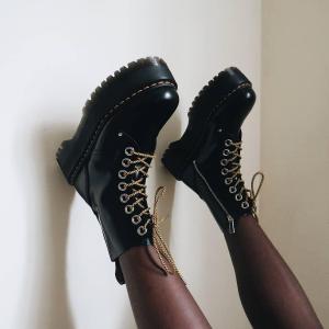 定价优势 平均立省$100+Dr. Martens 时尚款大集合 收爱心扣马丁靴