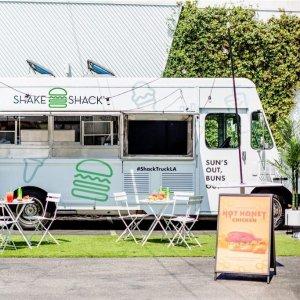 首站登陆LAShake Shack 推出餐车服务 可点夏日限定系列汉堡、鸡尾酒