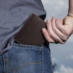 只要$25.49Timberland 男款耐用折叠钱包 百分百真皮 黑棕两色