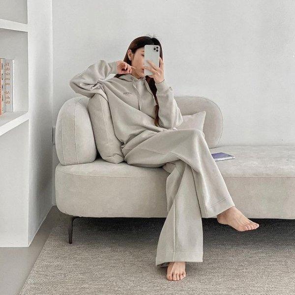 浅灰色阔腿裤