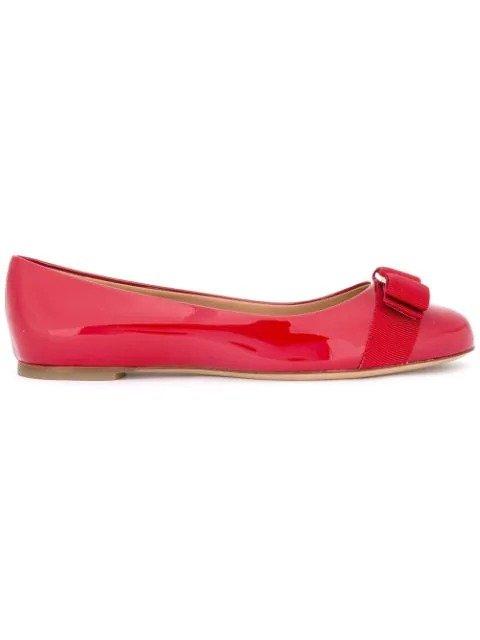 Vara 红色平底鞋