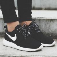 Nike Roshe One 女鞋
