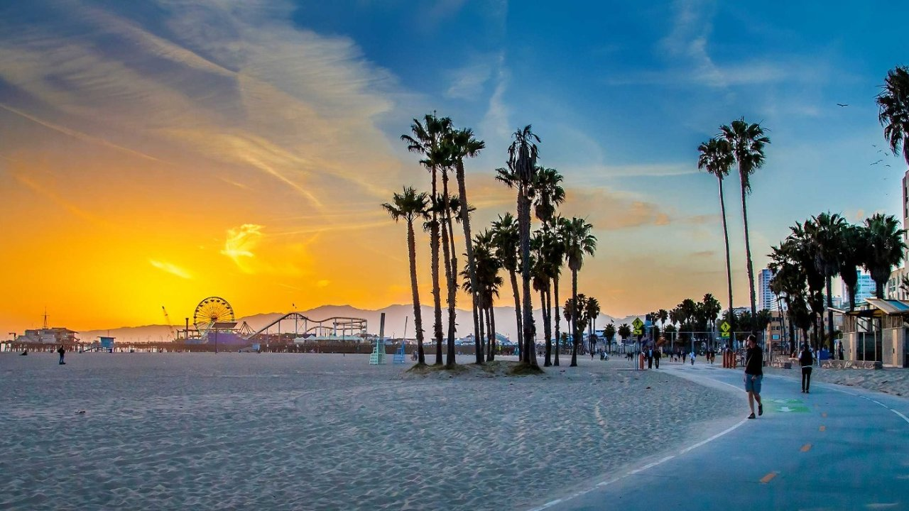 暑假洛杉矶周边自驾游 网红墙拍照/比弗利山庄逛街/天文台看日落/迪士尼/环球影城,3天2夜游乐计划