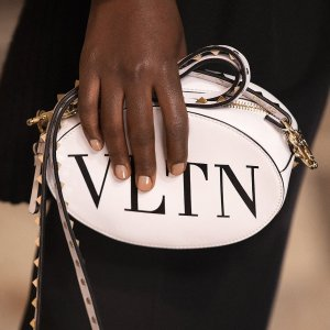 精品85折 美衣美鞋都有货Valentino热促 总有一款让你念念不忘