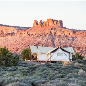 每晚$239起 屋内看景睁眼数星Under Canvas 全美5个国家公园豪华帐篷露营 大自然亲密接触