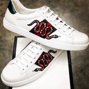 $650 (定价$800) 经典好看Gucci 男士蛇纹小白鞋定价优势 时尚百搭不出错
